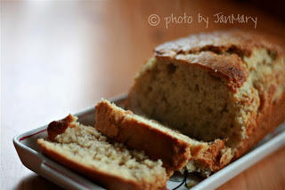 WFMW – Easy and delicious banana bread