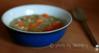Recipe for easy homemade chicken and vegetable soup