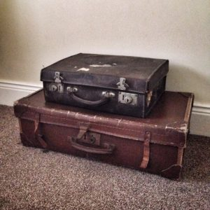 vintage suitcases on janmary.com