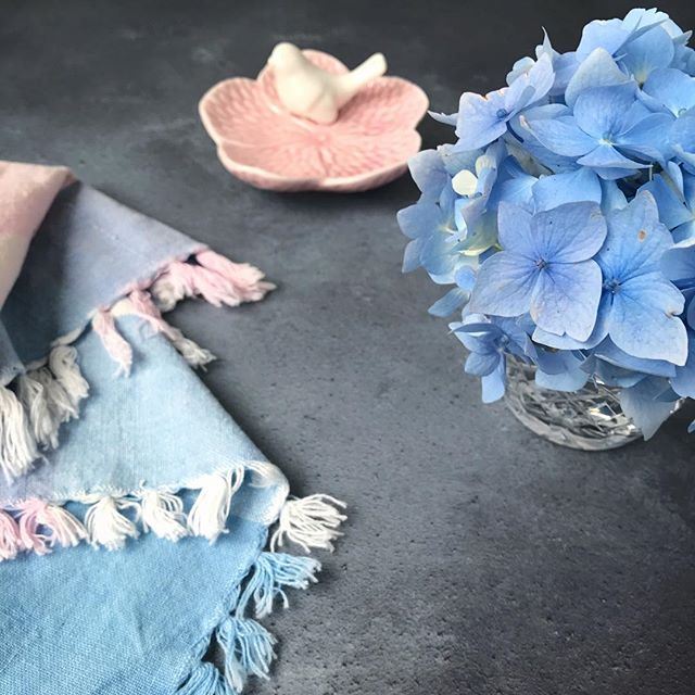 More blue hydrangea, a vintage napkin and a wee bird!