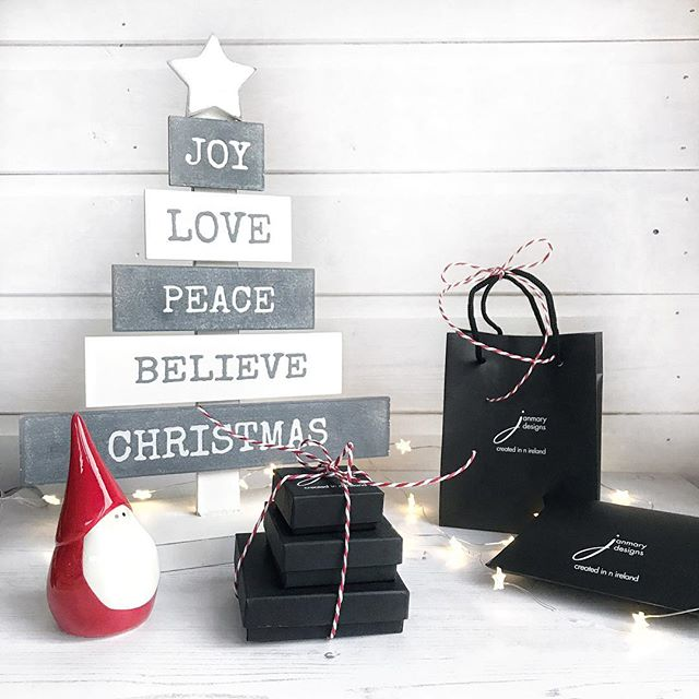 Love, joy, peace, believe.....Christmas
